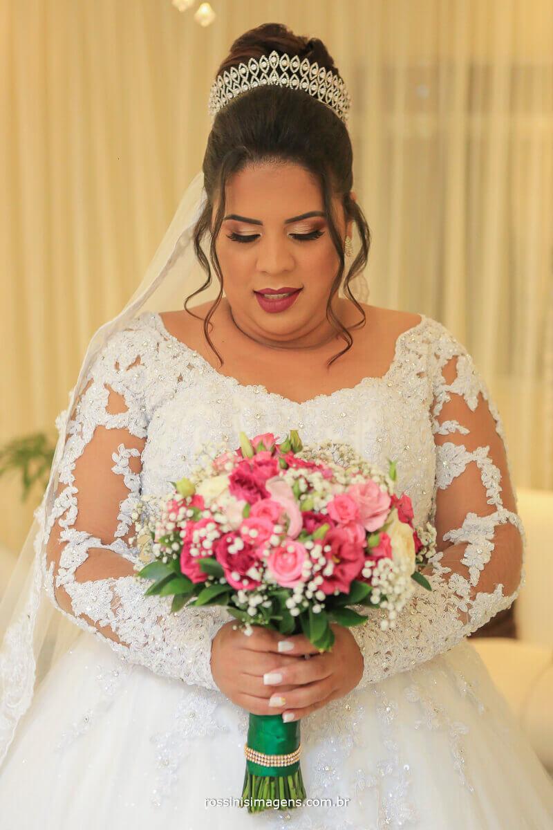 noiva com buquê, buquê de noiva, Buquê para casamento rossinis imagens