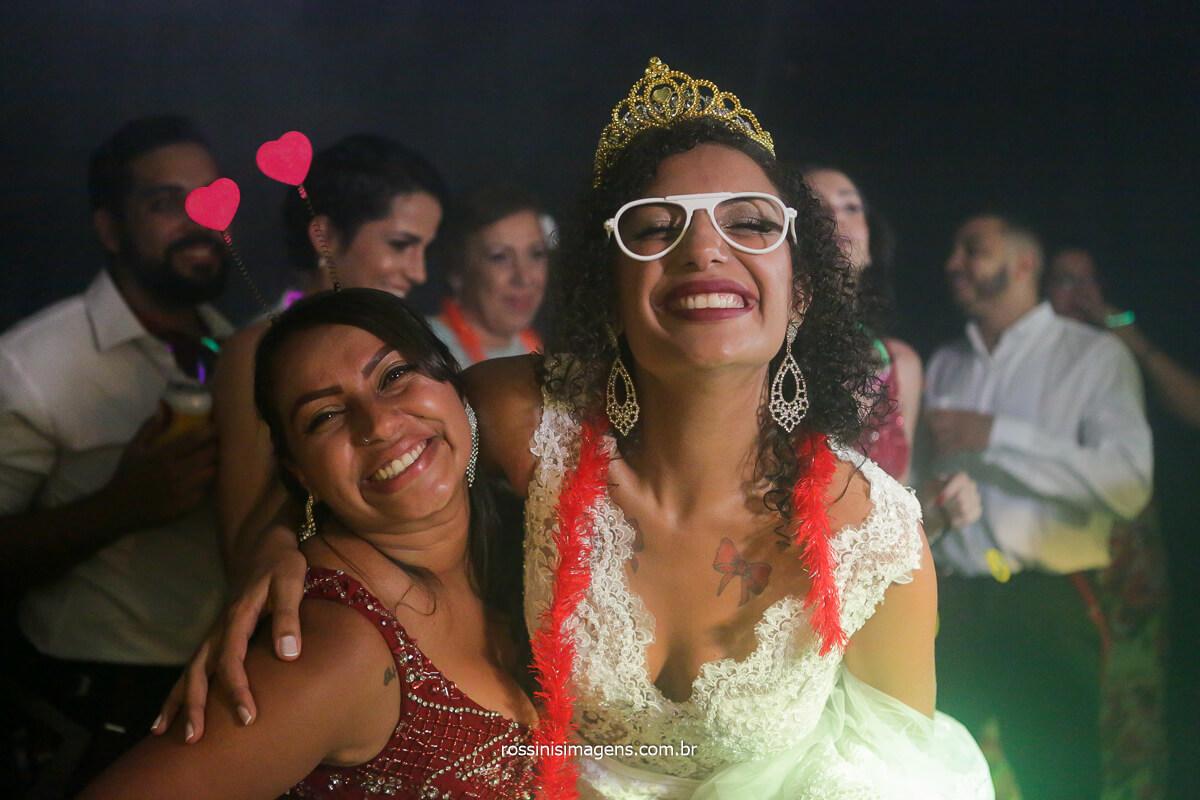 noiva e a irma na balada, fotografia de rossinis imagens