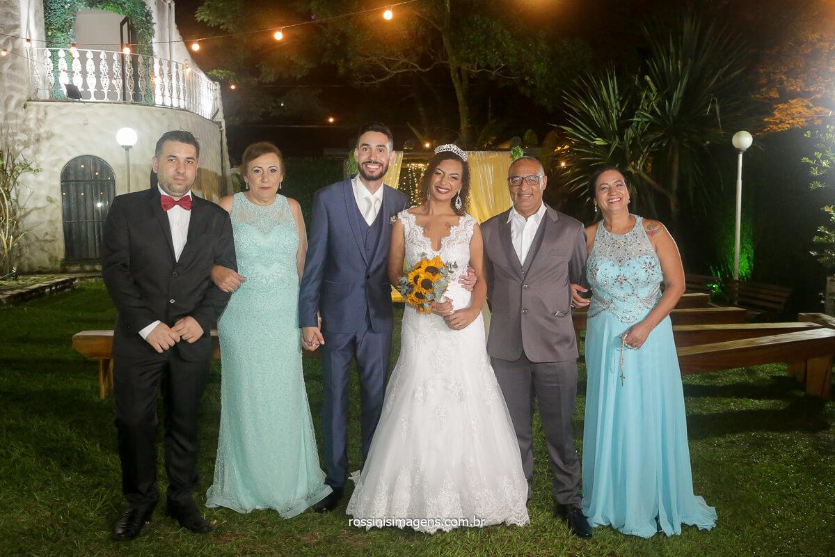 fotografia coletiva com os pais e maes dos noivos casal top, fotografia de casamento com a rossinis imagens solar da fonte