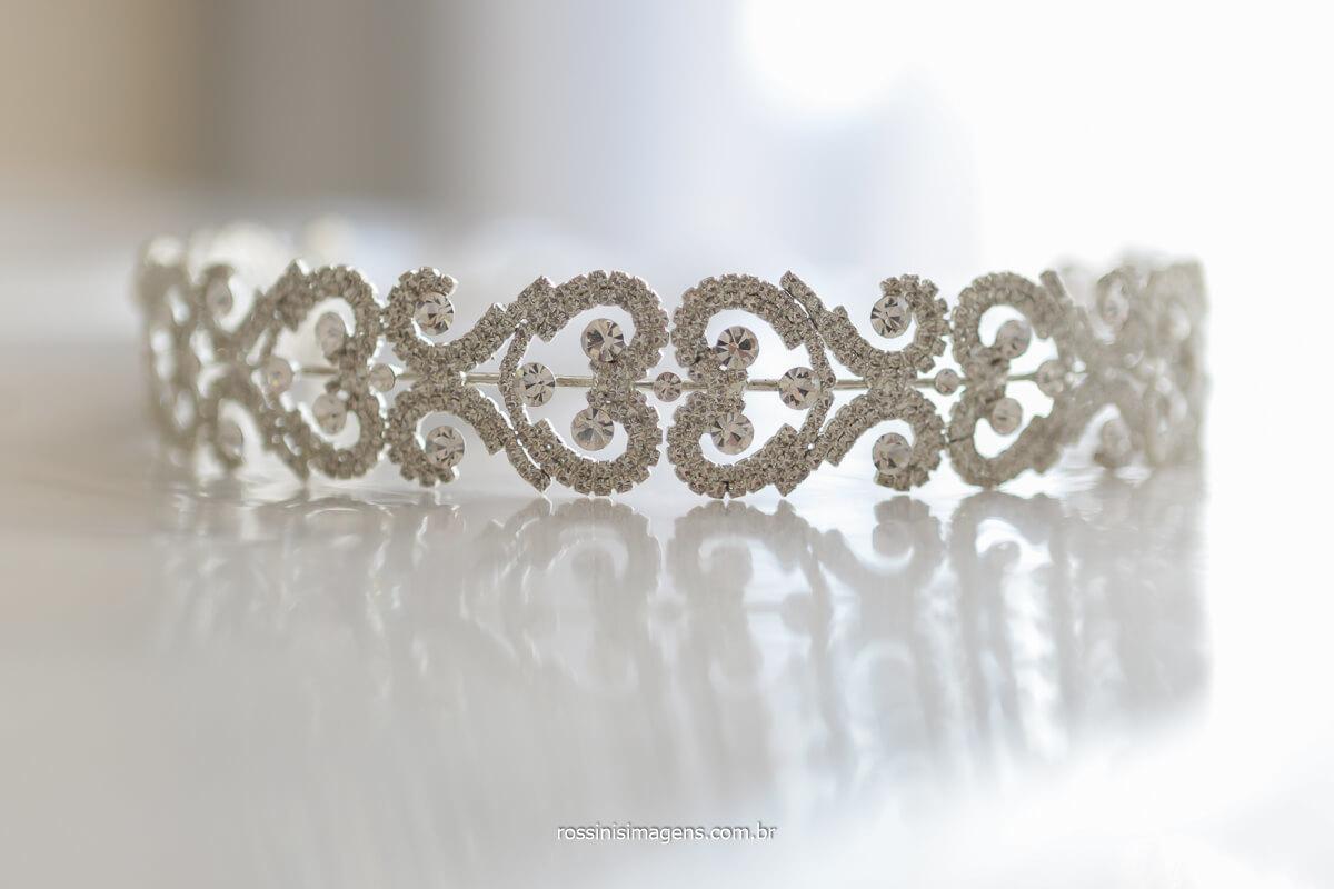 tiara de pedras para noiva, detalhes de tiara, tiara de cabelo para noiva