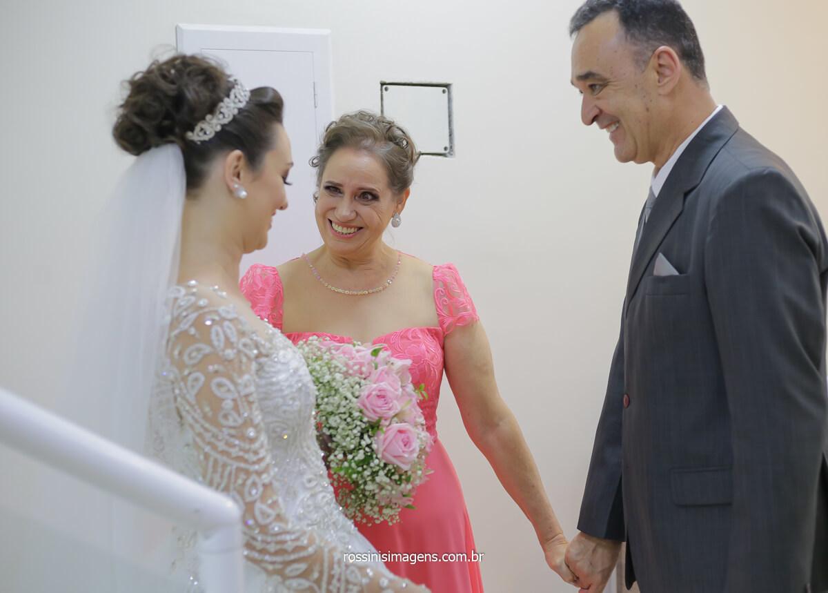 emoção da noiva ao ver seu pai no dia do casamento