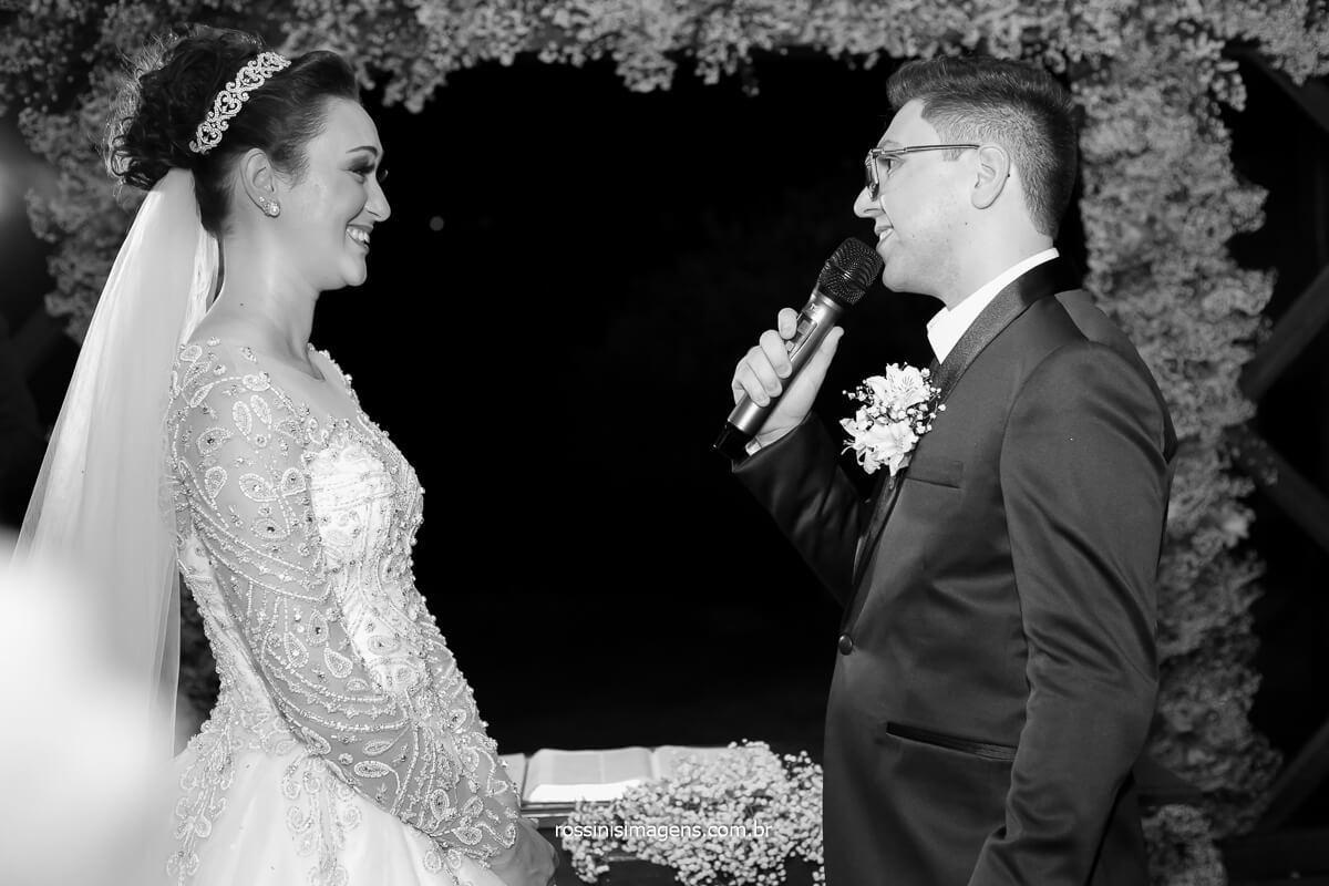 Votos do casamento de Daniel para Josy, em Mogi Casa da Árvore