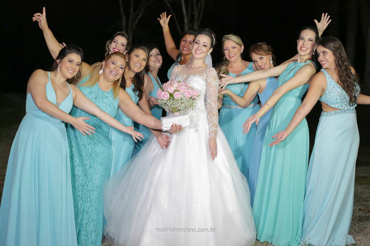 casamento em mogi sp rossinis imagens madrinhas de vestido azul com a noiva de vestido branco