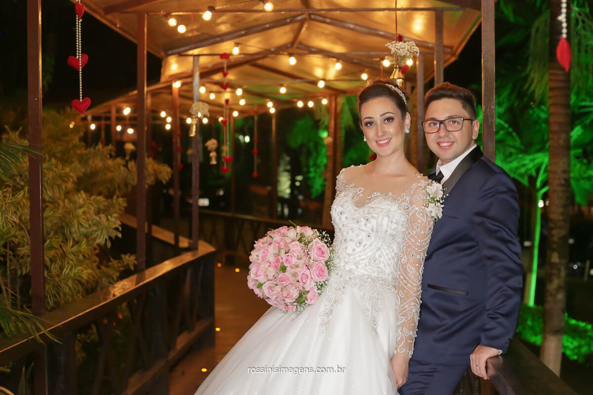 Fotografia Rossinis imagens passarela com luz decorativa vintage para casamento, casamento inesquecivel