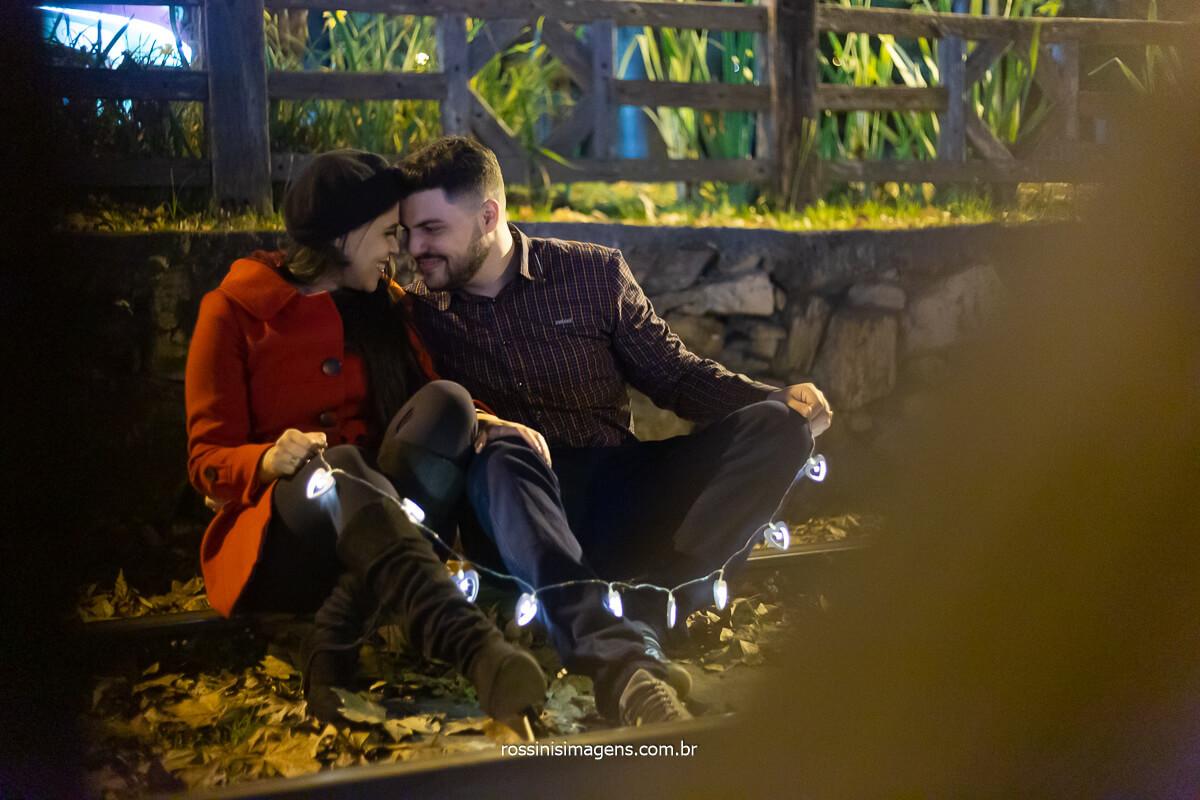 Priscila e Gian, ensaio fotográfico casal em campos no centro na linha de trem, @RossinisImagens