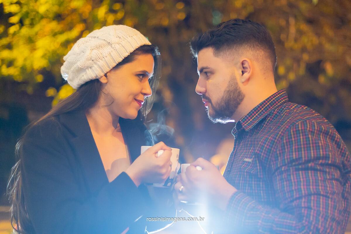 fotografo de ensaio de casal em campos do jordão no outono e inverno,  fotografo de casamento em campos do jordão, casal Priscila e Gian, @RossinisImagens