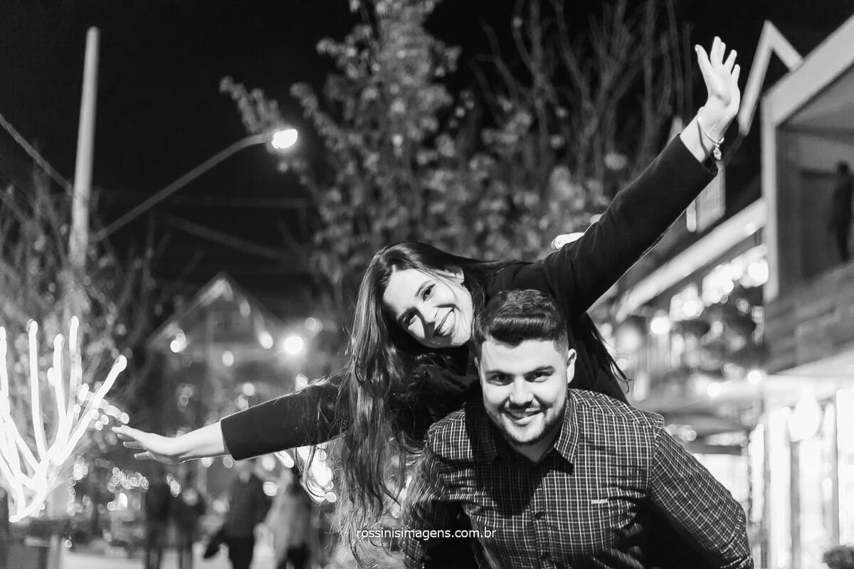 alegria e emoção com o casal Priscila e Gian em Campos do Jordão, só temos a agradecer sempre por nos permitir contar a historia de vocês, Felicidades Casal, Fotografo de Casamento, @RossinisImagens