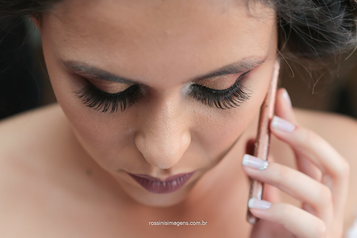 dia da noiva em poá sp , noiva no telefone ouvindo mensagem do noivo bella donna poá sp, @RossinisImagens