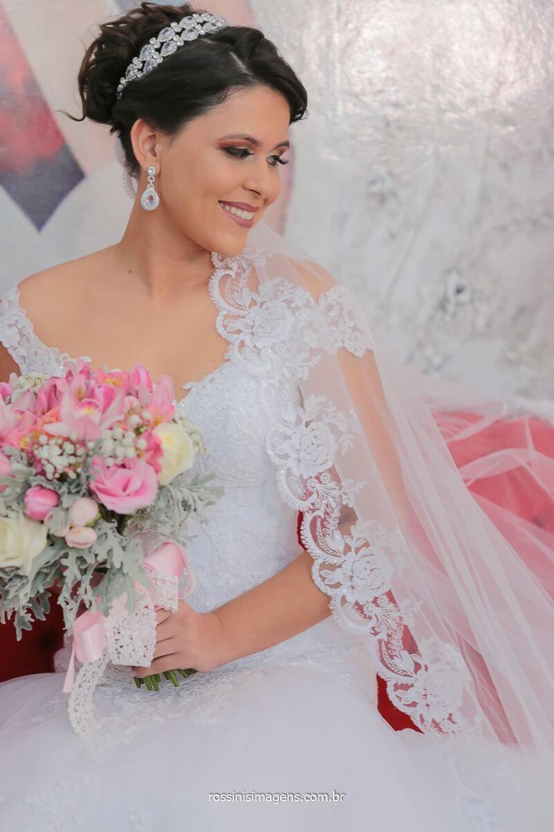 noiva linda e radiante excepcional noiva top, vestido center noivas, buquê suzi flores, @RossinisImagens