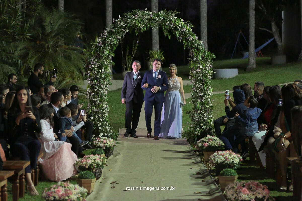 entrada do noivo, junto com os pais, casamento no campo, noivas no campo, @RossinisImagens