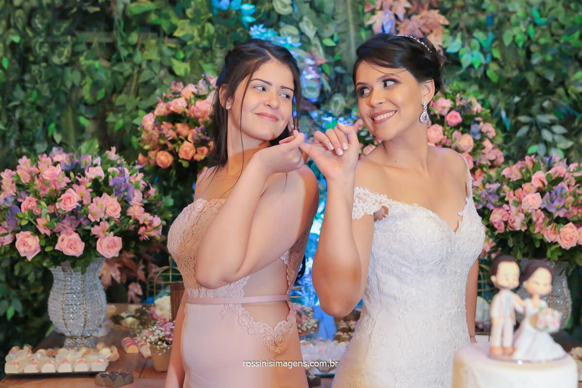 irmã e noiva juntas momento família, registro de casamento, livro fotográfico de casamento, @RossinisImagens
