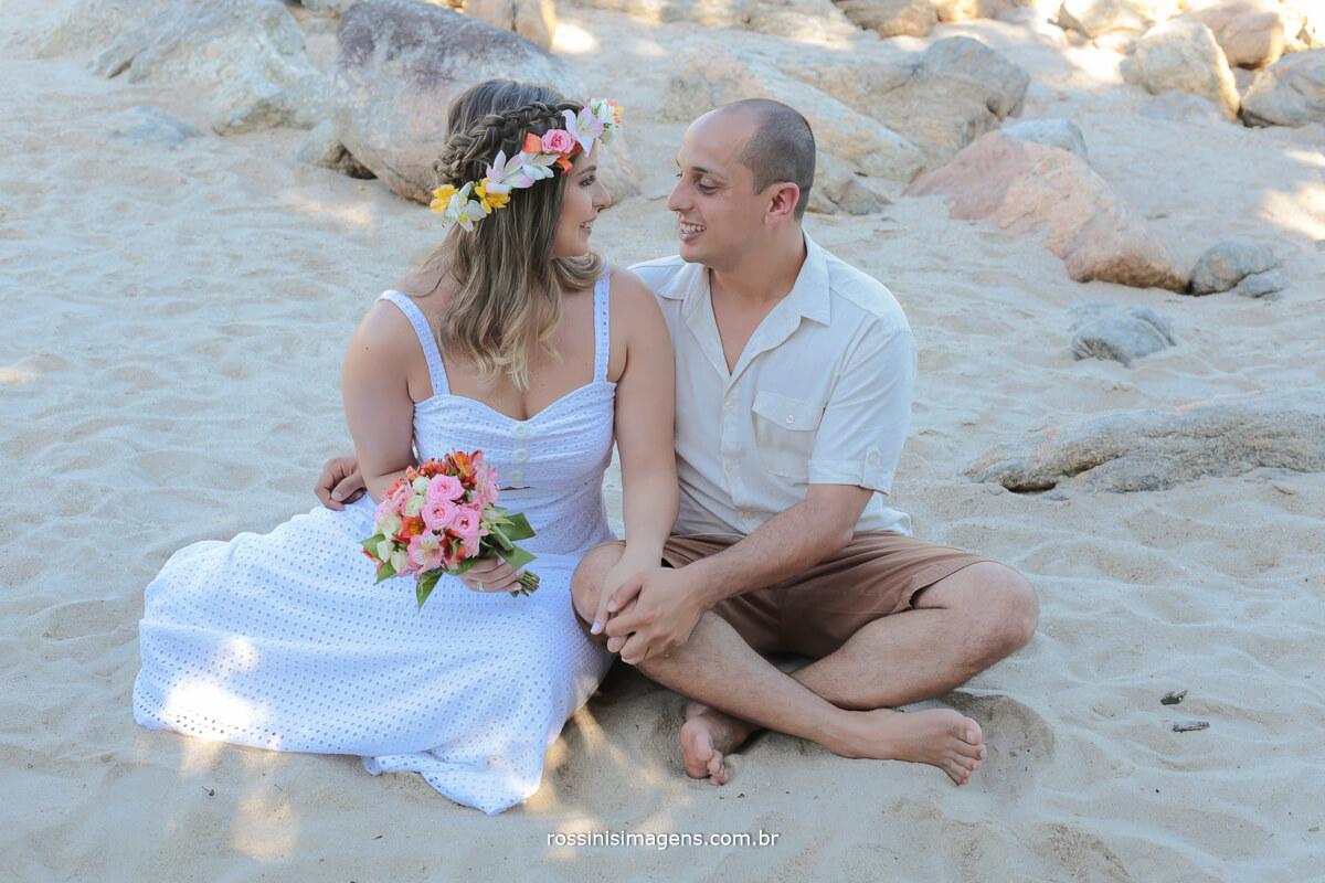 ensaio de casal, book pre casamento de Maíra e Murilo na praia