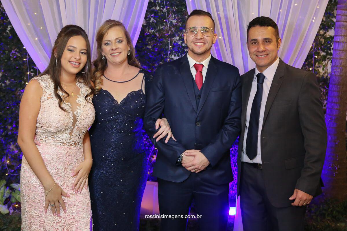 Família do Filipe Irmã, Mãe, Noivo Filipe e o pai, fotografo de casamento @RossinisImagens