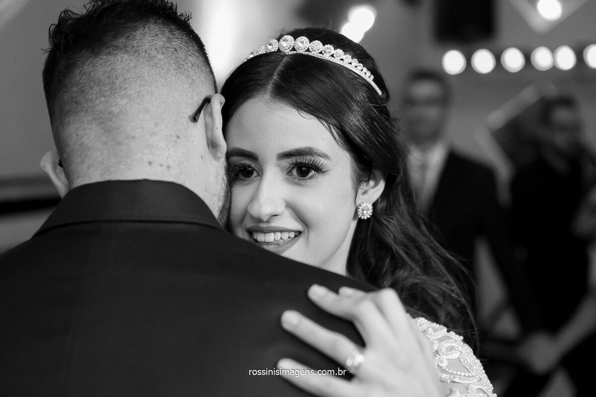 dança dos noivos na pista de dança primeira valsa, fotografo de casamento @RossinisImagens