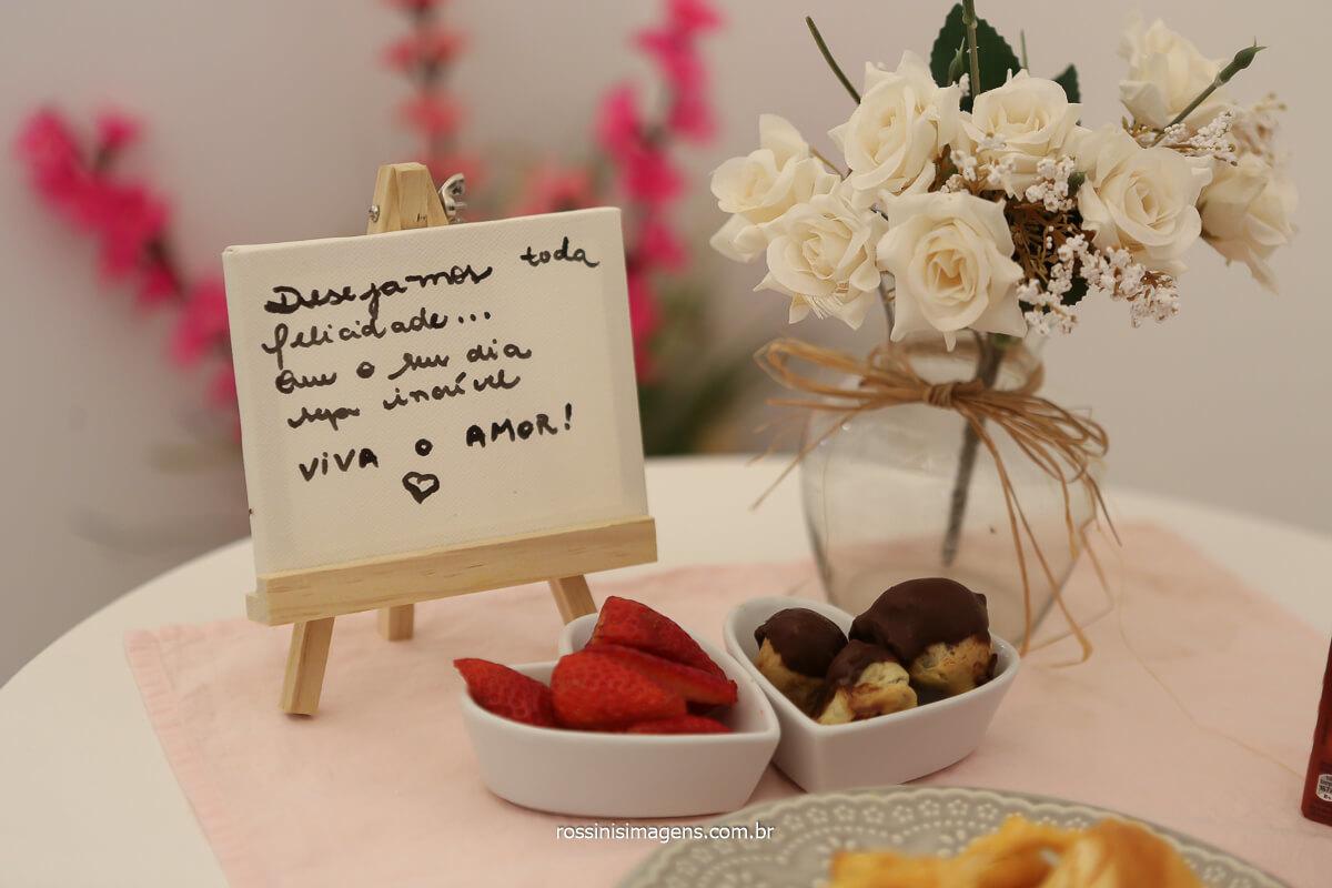 um belo cafe da manha para a noiva no salão de beleza no dia do casamento, fotografo de casamento @RossinisImagens