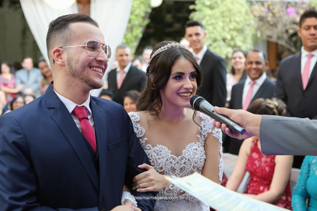 o sim da noiva para com o noivo para uma vida juntos no casamento, fotografo de casamento @RossinisImagens