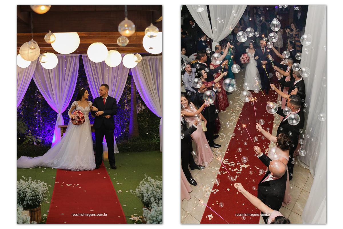 noivos no altar e saída dos noivos vista de cima com sparkles e bolhas de sabão, bolas de sabão, fotografo de casamento @RossinisImagens