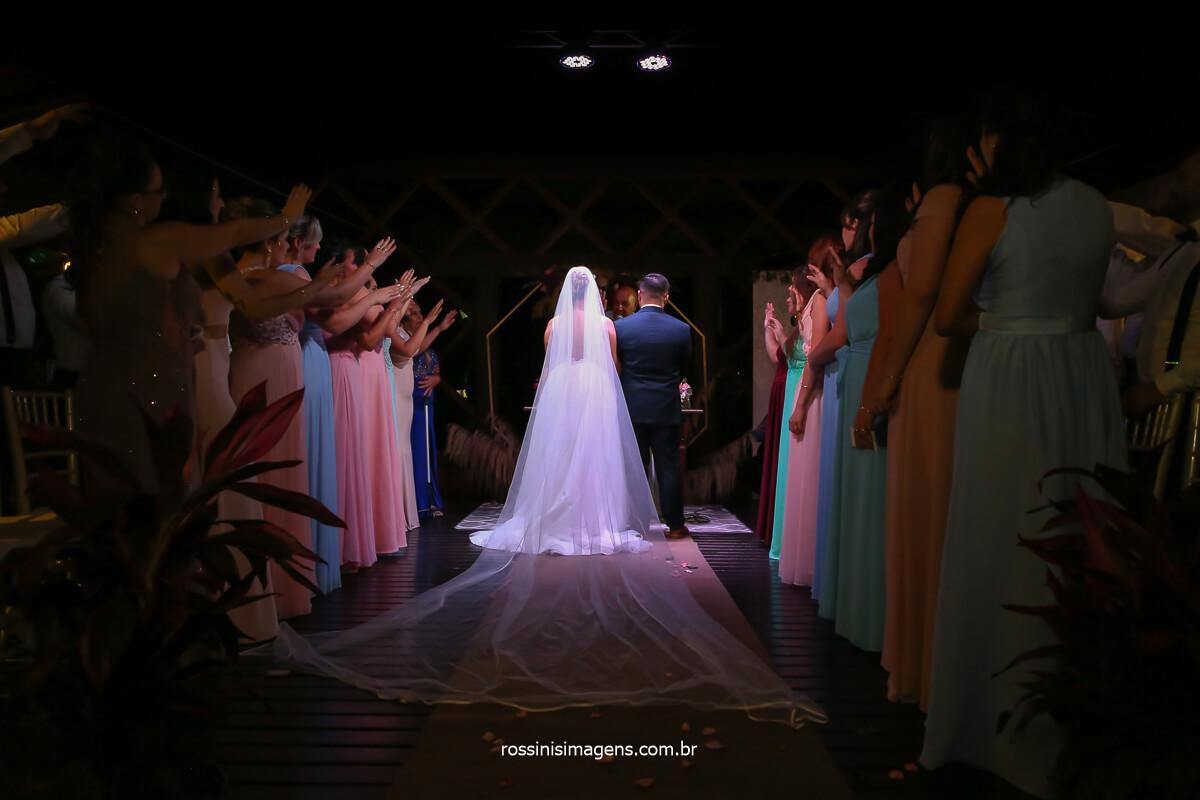 noivos no altar na casa da arvore em mogi das cruzes sp casamento inspiração, @RossinisImagens
