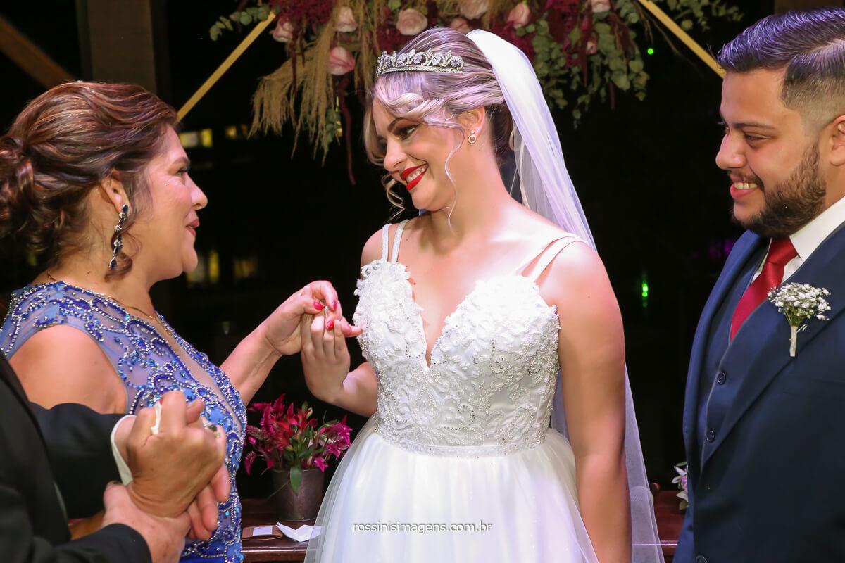 fotografia de casamento comprimentos dos pais nos noivos