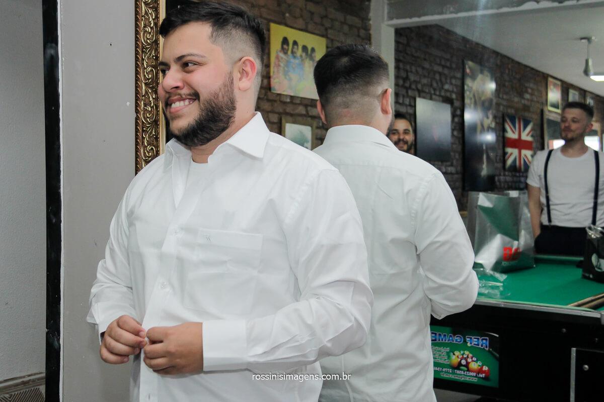 dia do noivo na barbearia Calligaris em mogi das cruzes, noivo merece uma barbearia nesse dia especial! @RossinisImagens