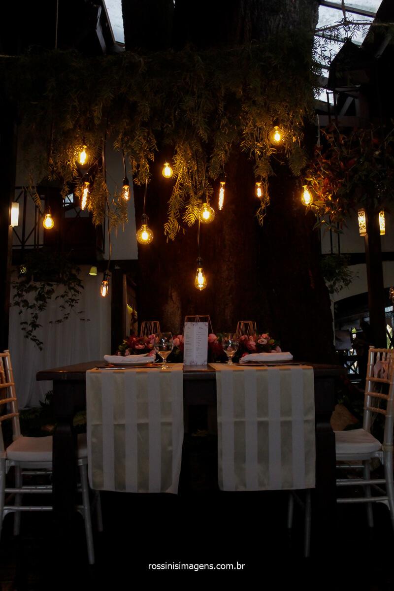 mesa dos noivos produzida pela flor de lótus decorações na casa da arvore casamento Tayna e Bruno, @RossinisImagens