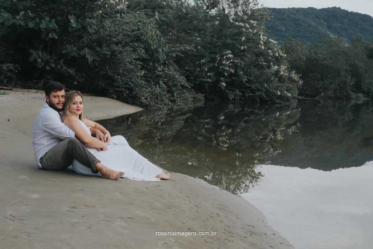 fotografia de casal na praia, onde fazer o ensaio pre casamento, inspirações de ensaio pre casamento, @RossinisImagens