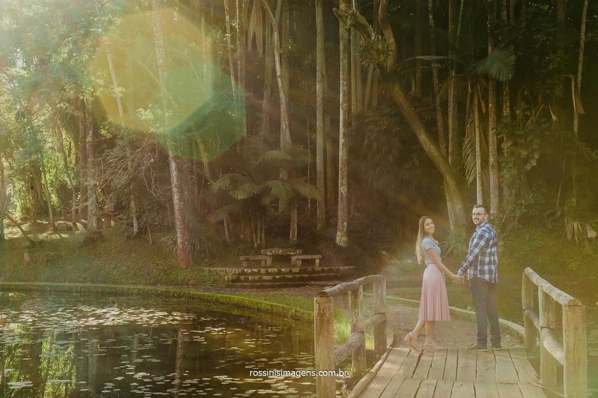 ensaio de casal em pre casamento realizado em são paulo, no jardim, @RossinisImagens