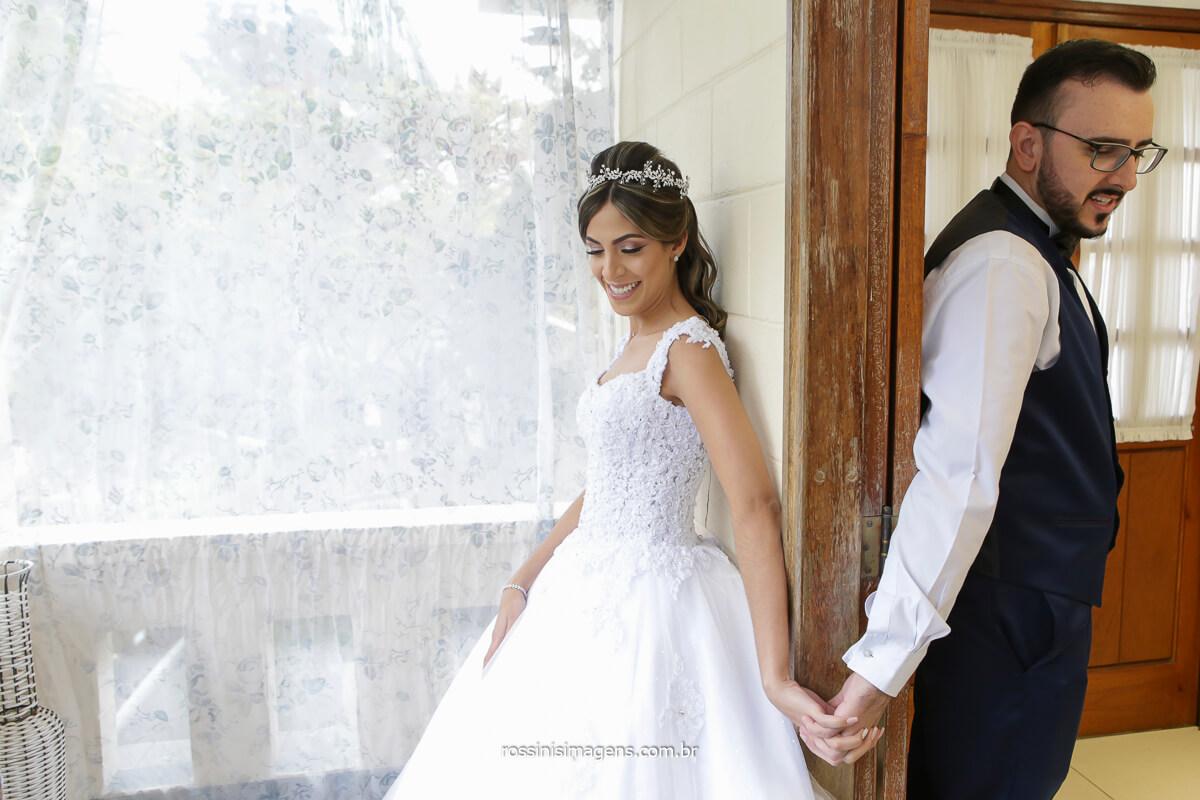 first look, noivos se encontram antes da cerimonia de casamento para o primeiro toque para o inicio do casamento! @RossinisImagens