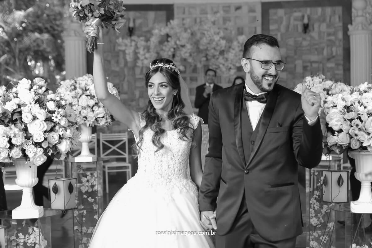 saída dos noivos cerimonial espaço balboa em Mairiporã, serra da cantareira, @RossinisImagens