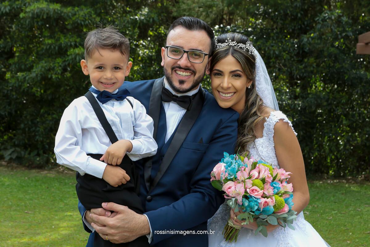 pajem e os noivos em sessão de fotos apos a cerimonia de casamento no espaço balboa por rossinis imagens a melhor fotografia de casamento, @RossinisImagens