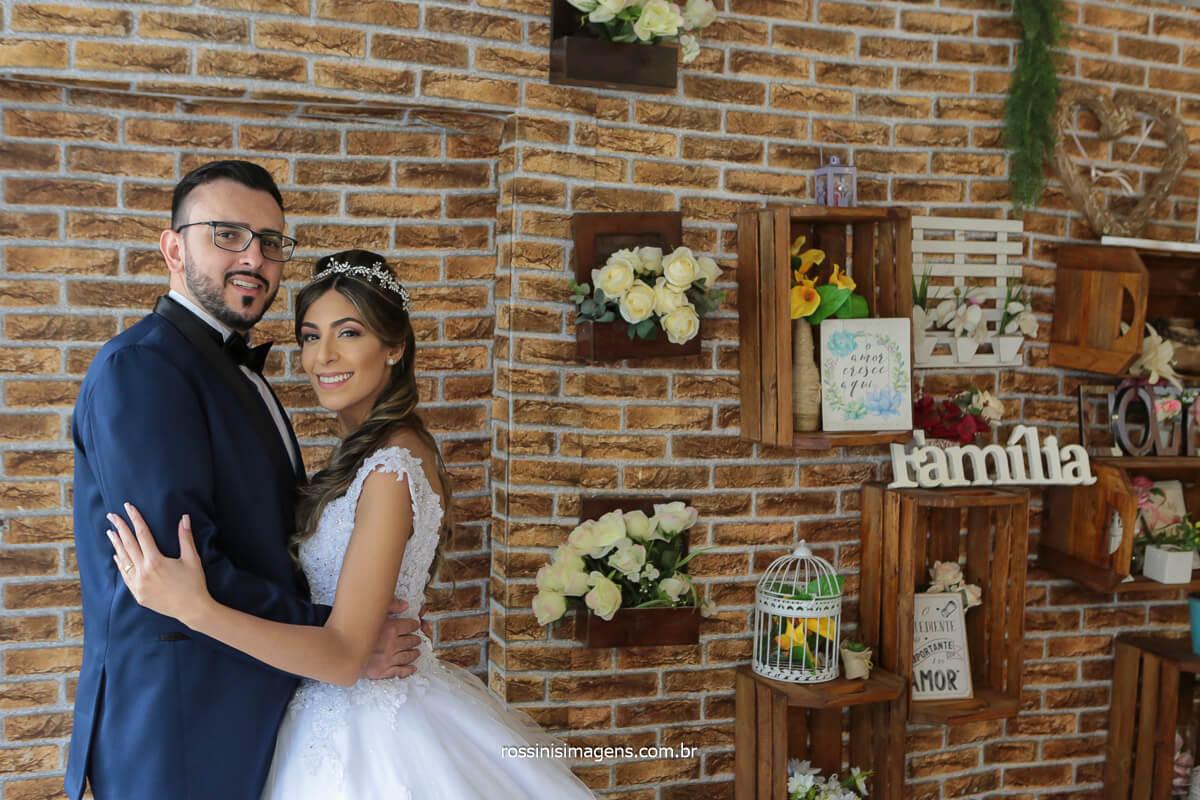 noivos na parede decorativa no espaço balboa, @RossinisImagens
