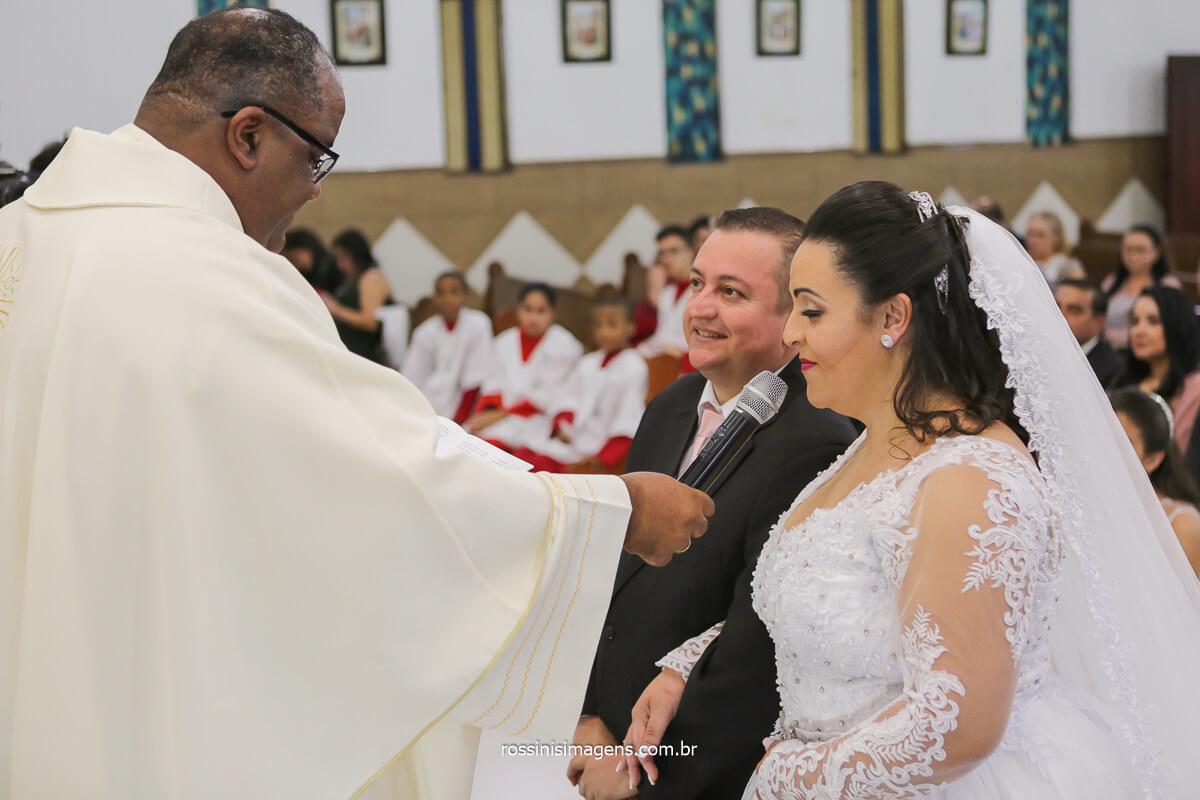 o sim da noiva Daniela , casamento em poá sp, wedding destaques momento do sim apos 10 anos para sair a nulidade do casal, @RossinisImagens