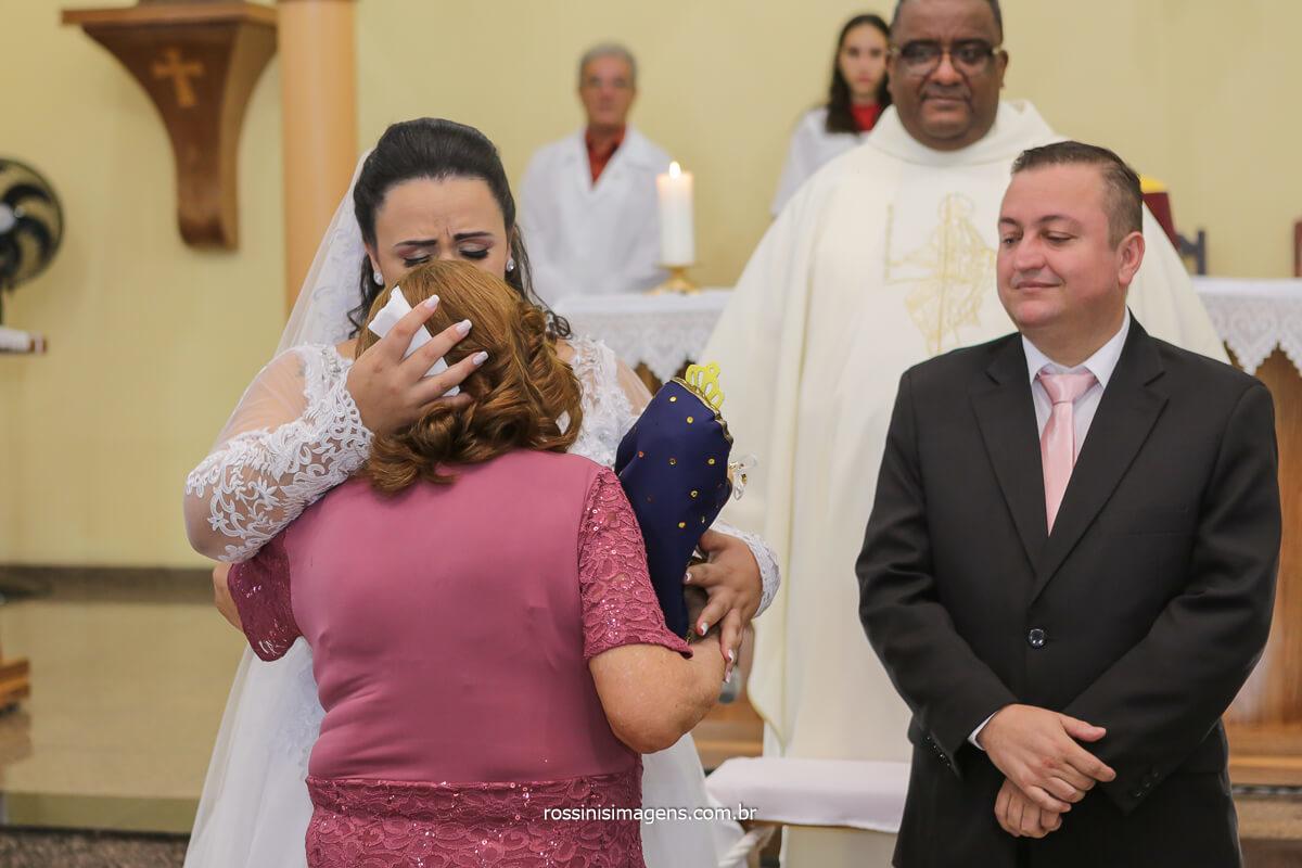 entrada das alianças com a vó Zefinha junto com a nossa senhora, @RossinisImagens