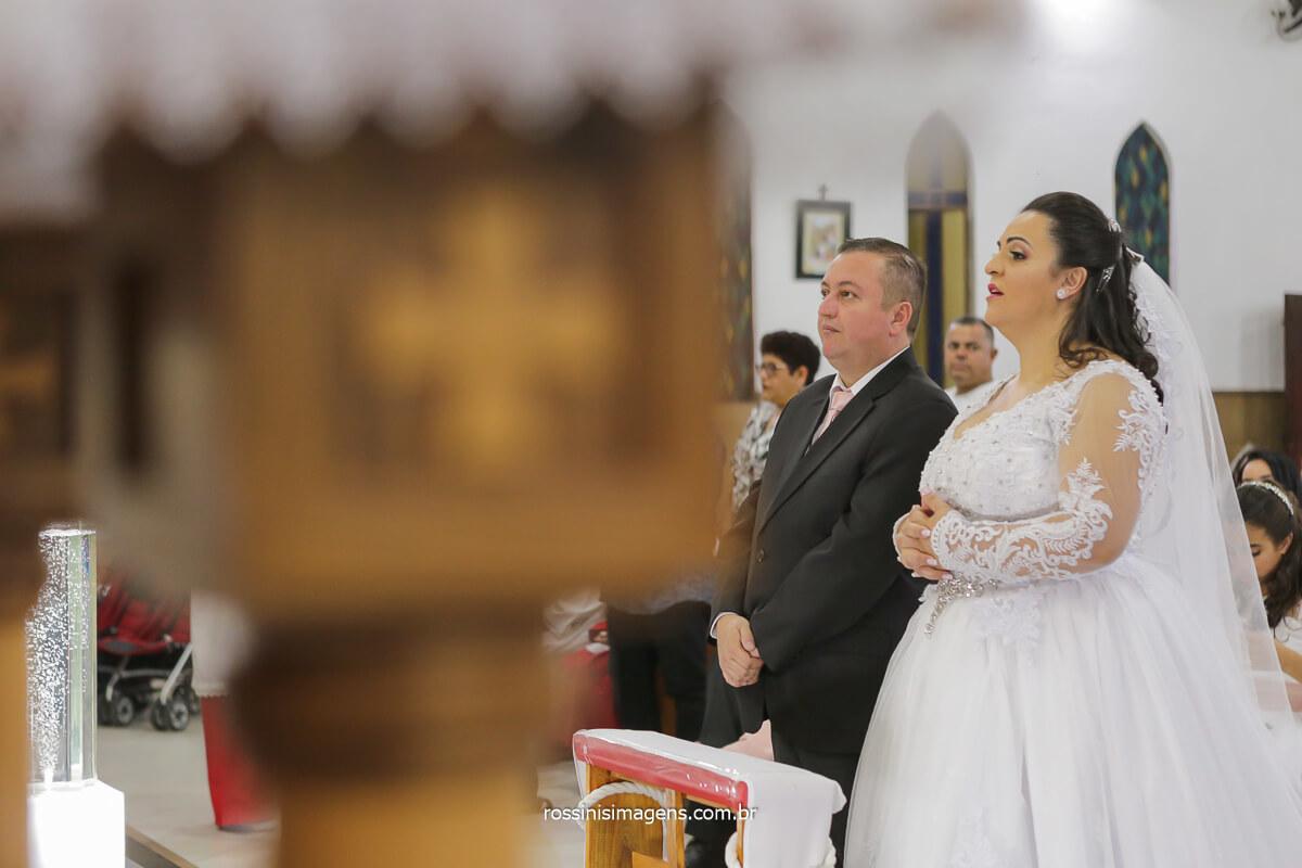 noivos no altar paroquia são Jose - sp, @RossinisImagens