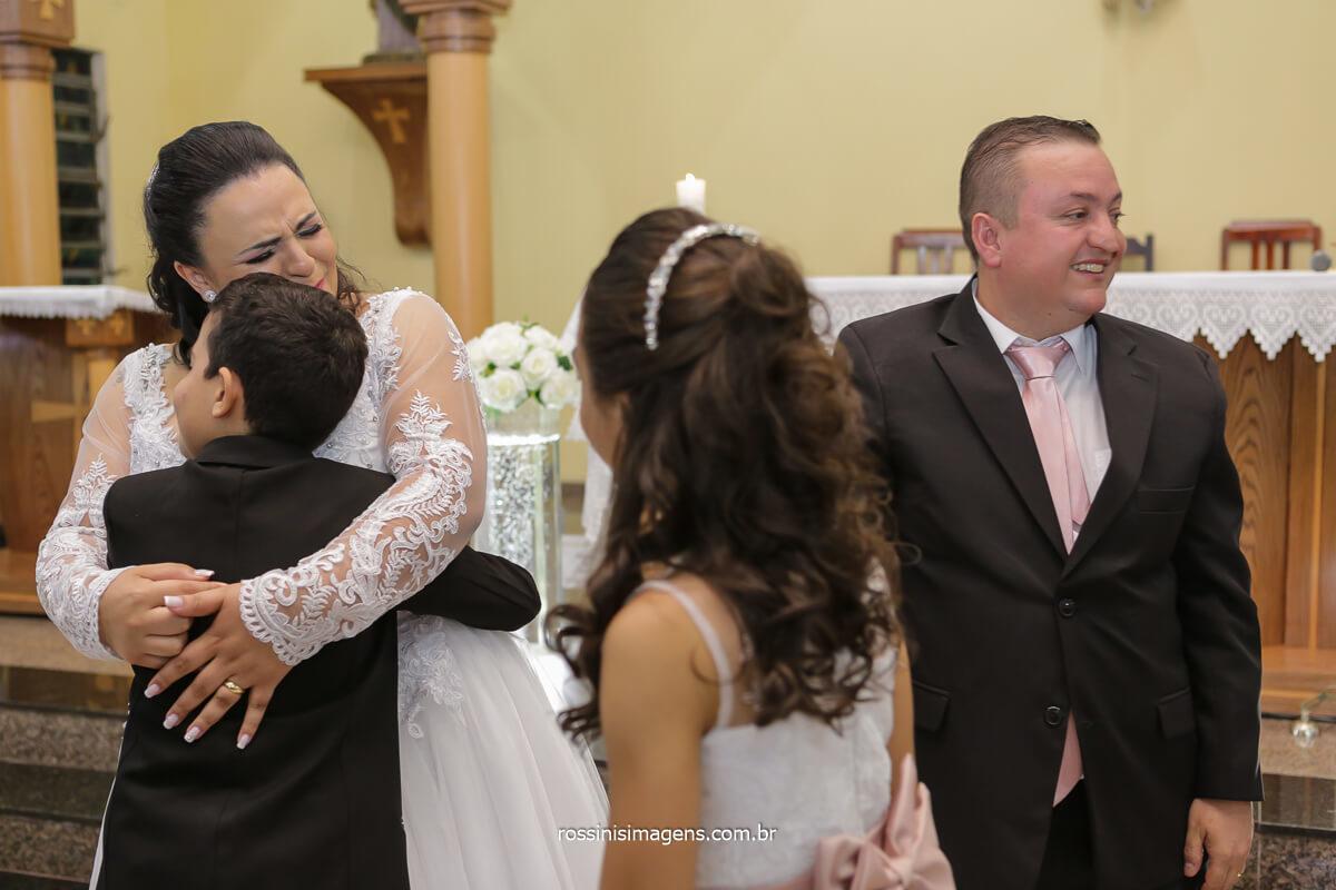 filhos cumprimentando os noivos, pais, realização dos pais ter os filhos no casamento, @RossinisImagens