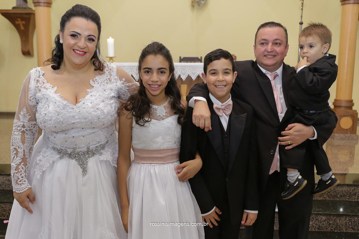 fotografia de família no altar, Vila Varela - poá