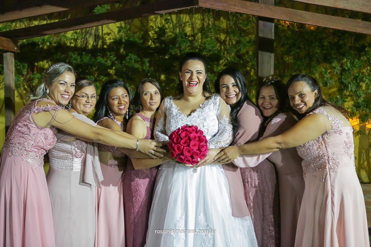 fotografia coletiva noiva e madrinhas, madrinhas de vestidos rose, @RossinisImagens