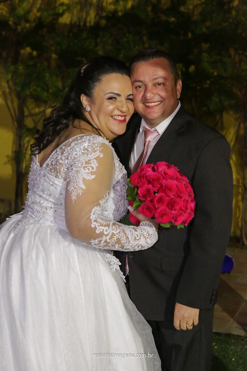 fotografia do casal noiva e noivo juntos