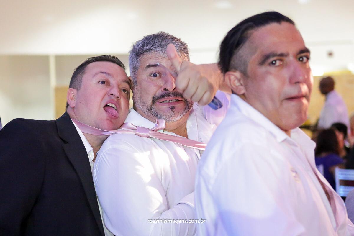 amigos do noivo hora da gravata, @RossinisImagens
