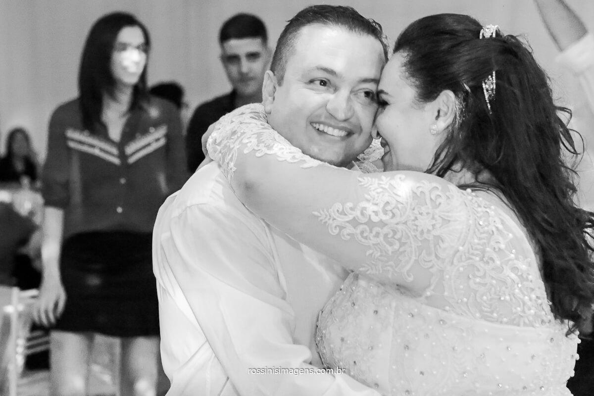 dança dos noivos, noivos na pista, balada de casamento, @RossinisImagens