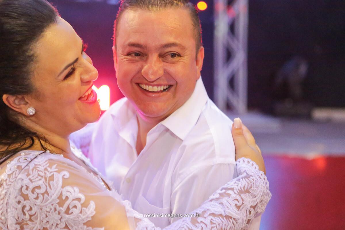valsa dos noivos casamento lindo casal na balada dançando, fotografo de casamento em poá @RossinisImagens