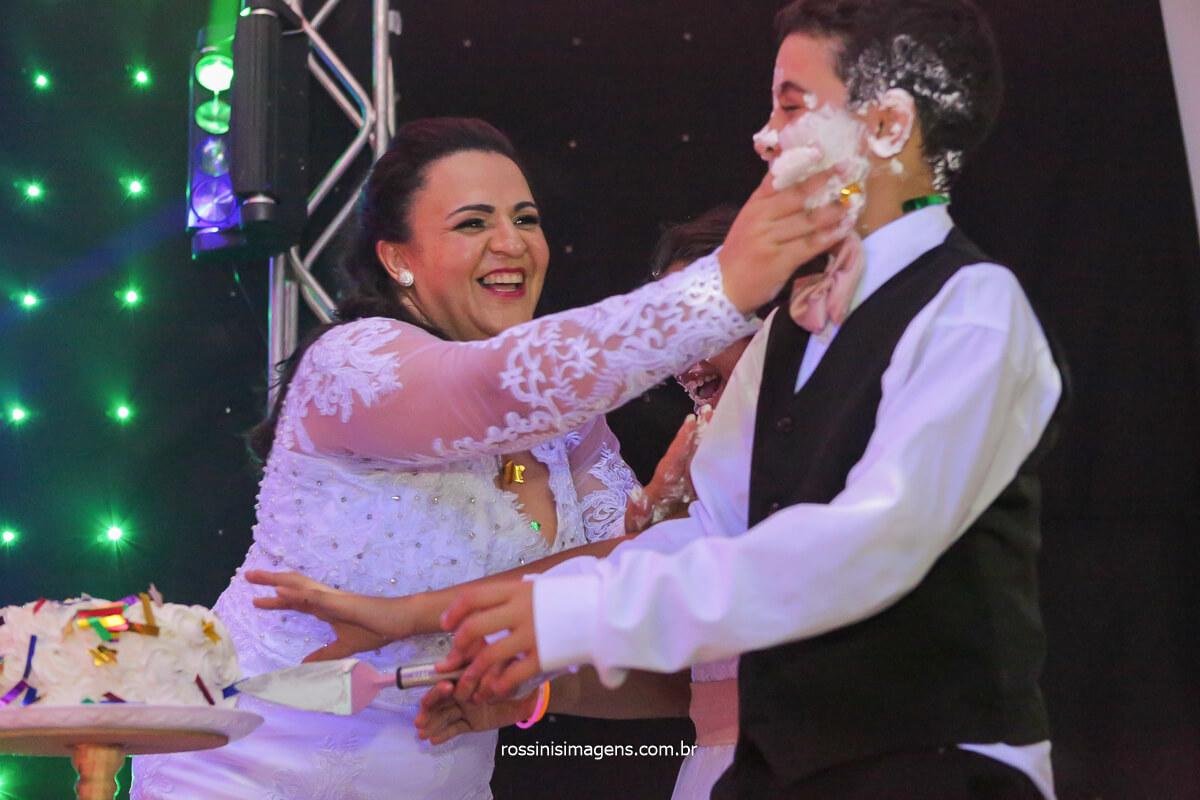 o parabéns dos noivos para os filhos briga de bolo, @RossinisImagens