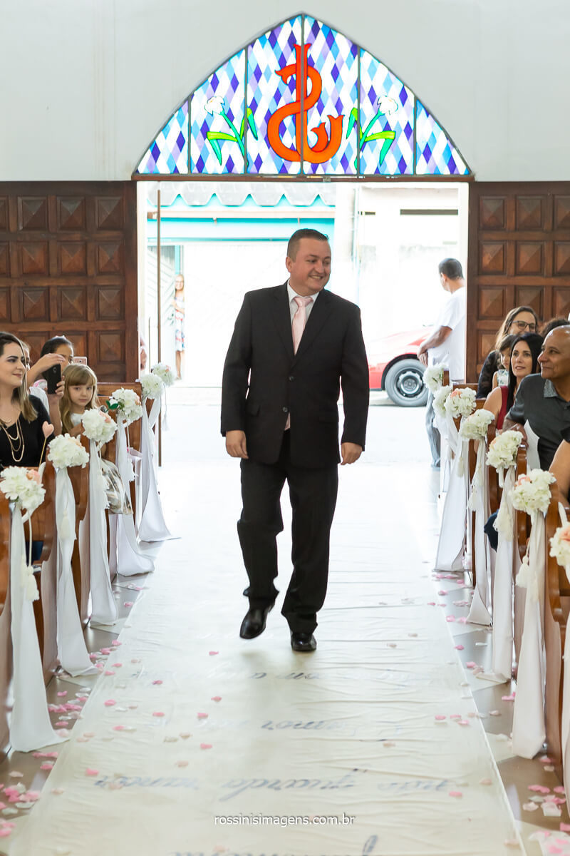 Entrada do Noivo Sandro para a tão esperada hora do casamento depois de anos e anos aguardando a nulidade no vaticano para poder se casar com a Daniela, @RossinisImagens