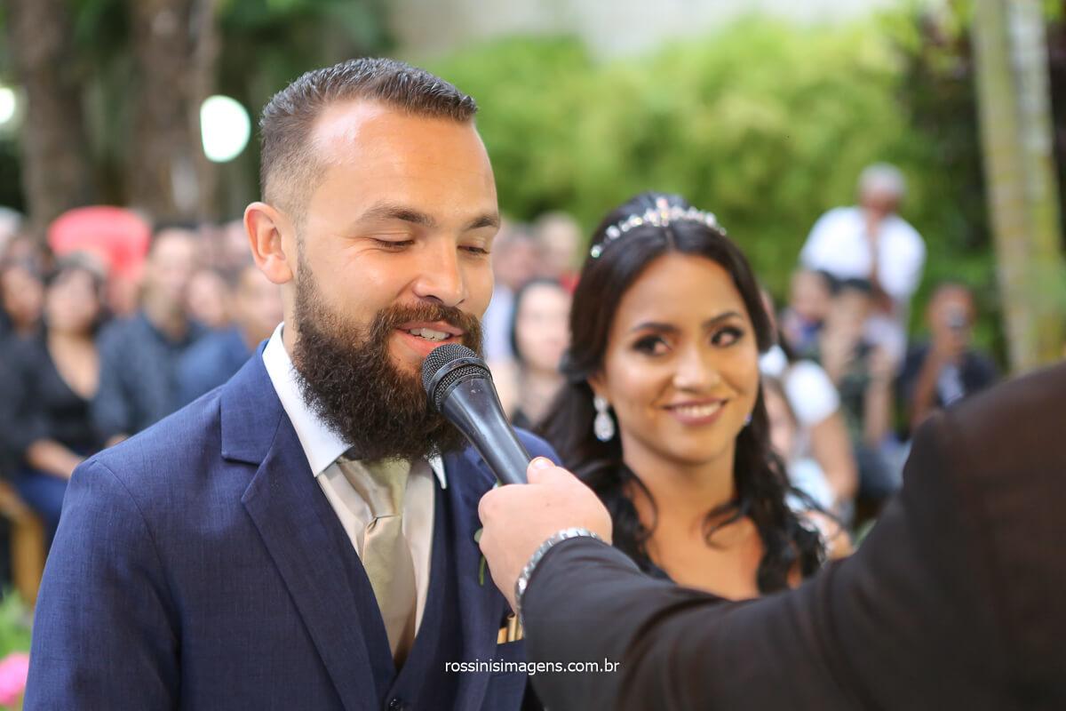 olhar da noiva quando o noivo aceita casar com ela, @RossinisImagens