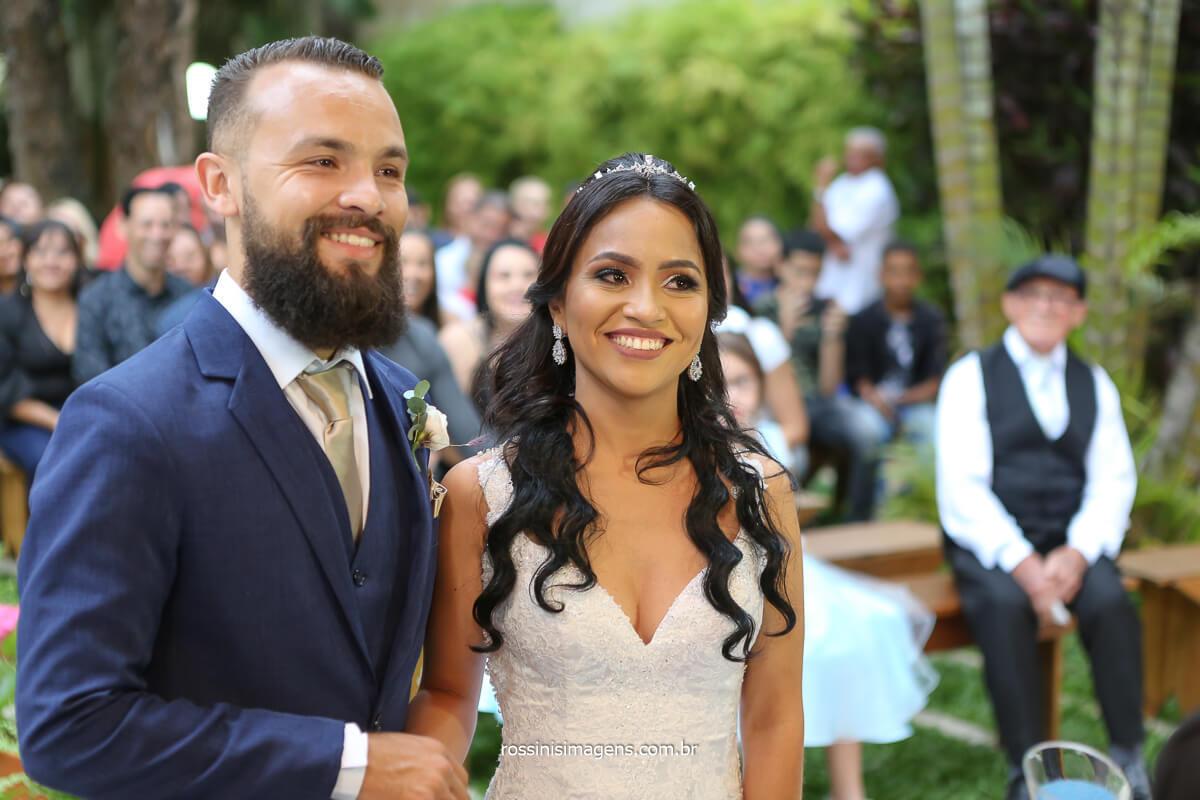 casal lindo e apaixonado, casamento da Elaine e Rafael no salão Lotus em Itaqua, @RossinisImagens