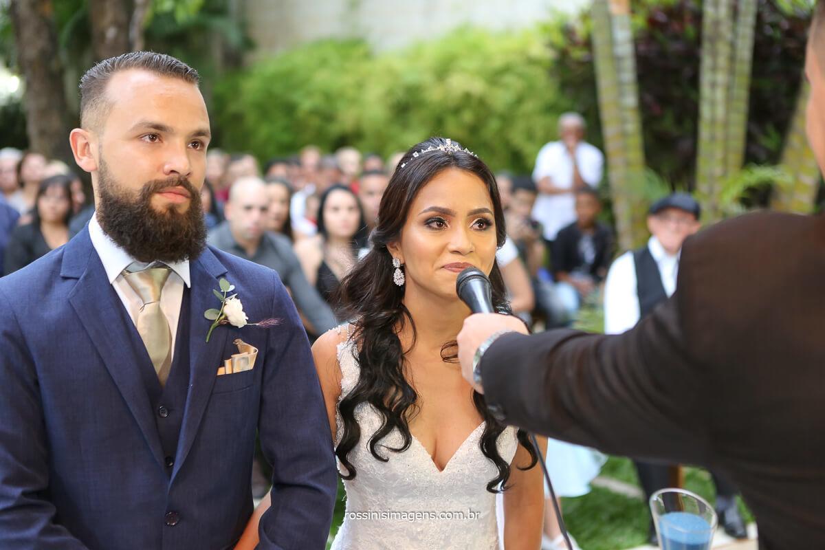 noiva aceita casar com rafael, cerimonia de casamento ao ar livre, casamento de dia