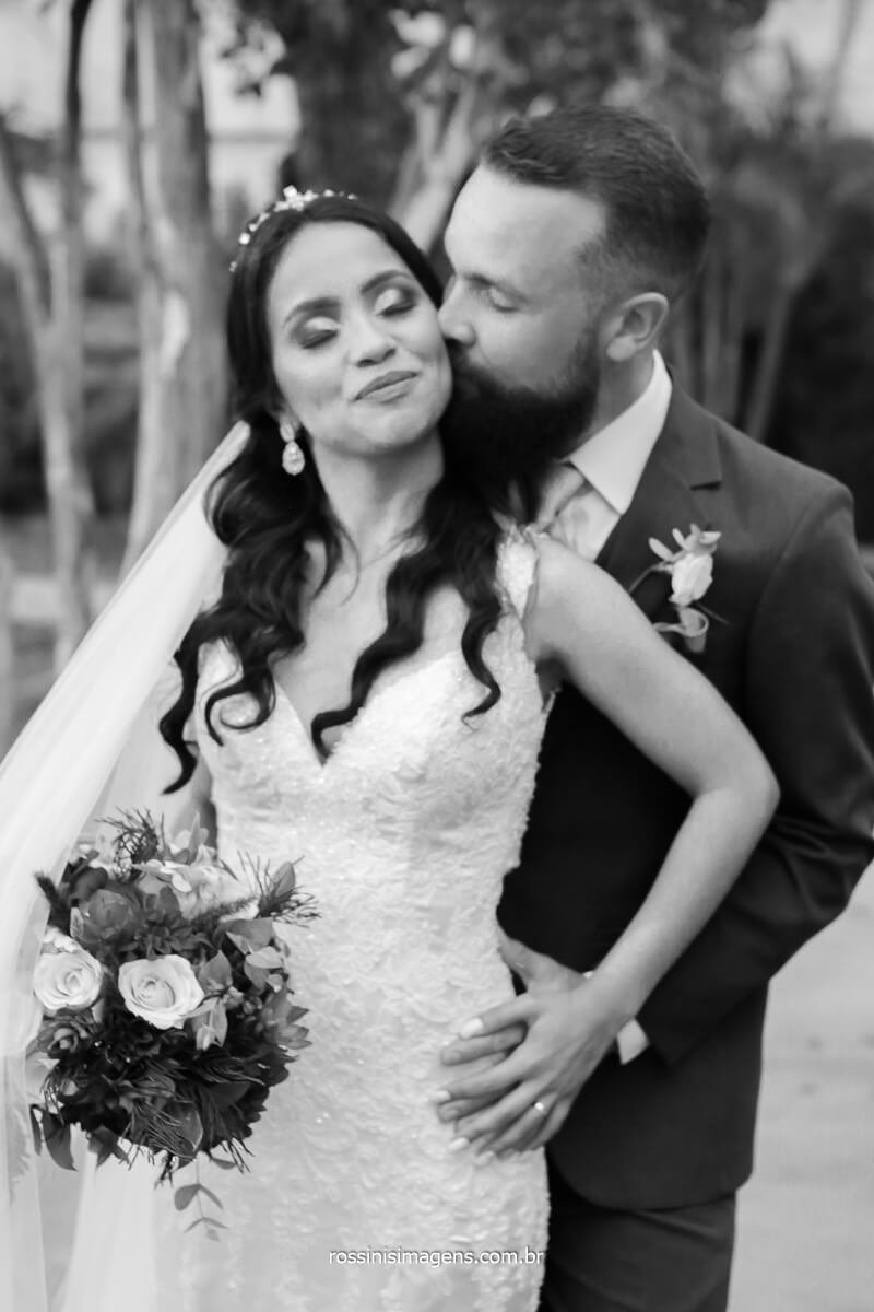 porque fazer sessão de fotos de casal apos a cerimonia para registar esse lindo dia e eternizar suas memorias, @RossinisImagens