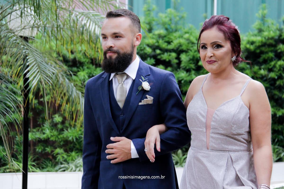 fotografia de casamento entrada do noivo com a mãe, @RossinisImagens casamento de dia, casamento ao ar livre, rossinis imagens fotografia de casamento
