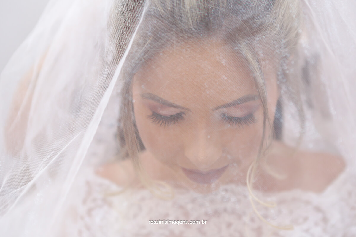 fotografia de noiva no casamento, wedding day making of  Gabriela no dia do casamento, @RossinisImagens