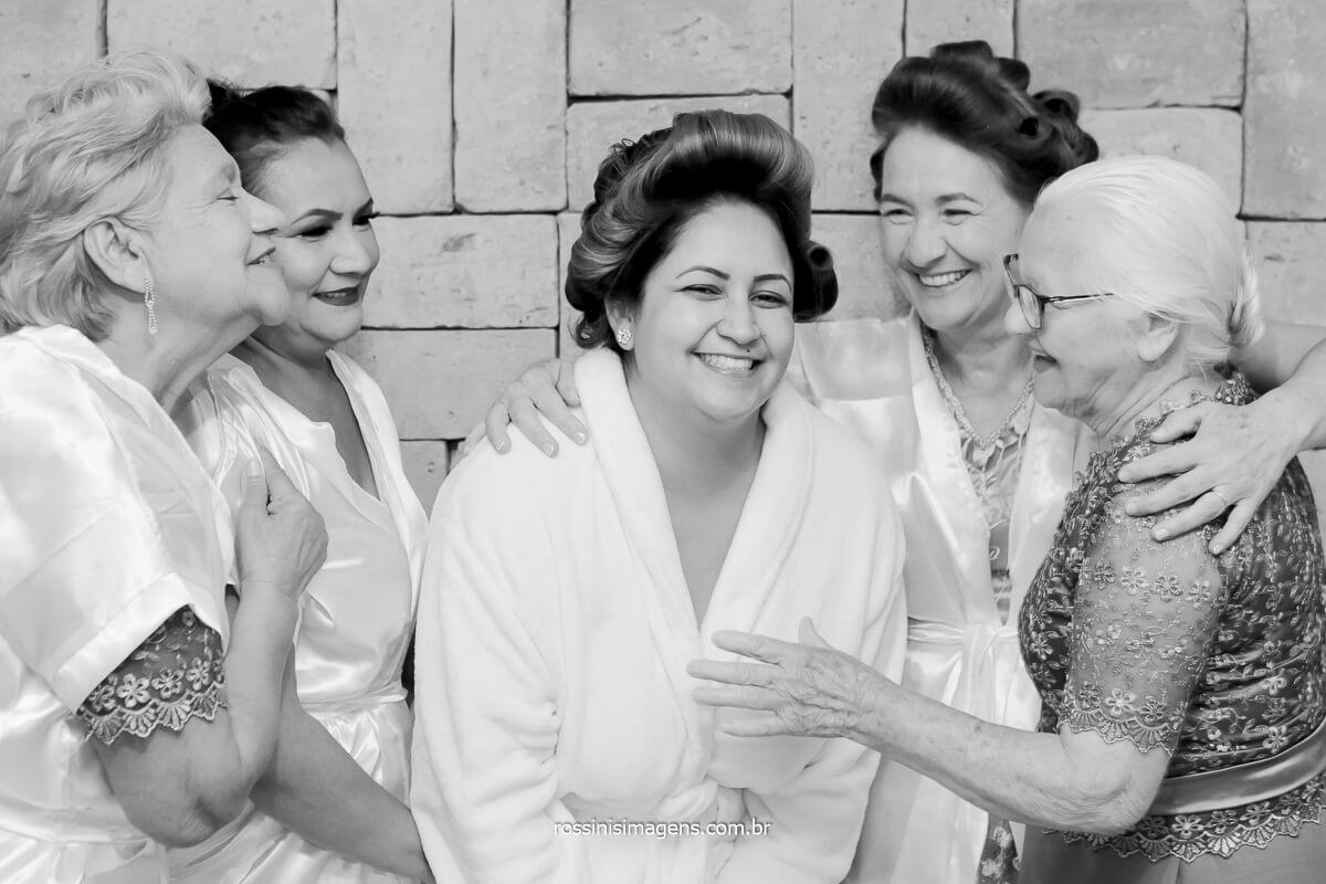 making of da noiva com as avos mãe e a sogra, momentos antes da cerimonia de casamento, @RossinisImagens